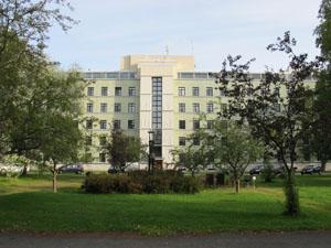 muokattu_sairaalan_päärakennus